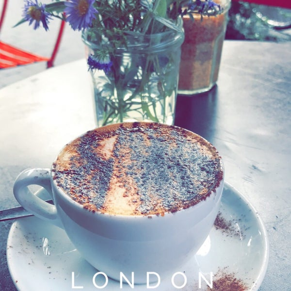 Small coffee shop in Exmouth market with great coffee and chill atmosphere💕