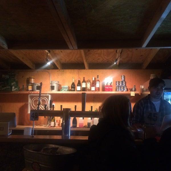 Das Foto wurde bei Governors Island Beer Co. von Rie am 10/26/2017 aufgenommen