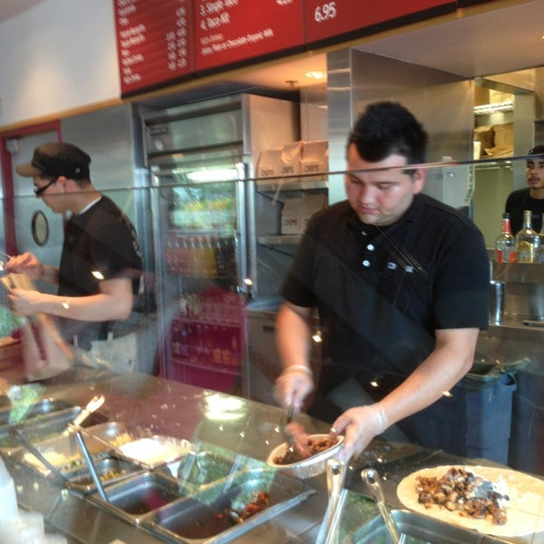 Chipotle Mexican Grill - Plymouth - Wayzata - 25 tips