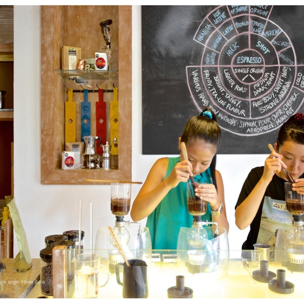 8/13/2014 tarihinde Seniman Coffee Studioziyaretçi tarafından Seniman Coffee Studio'de çekilen fotoğraf