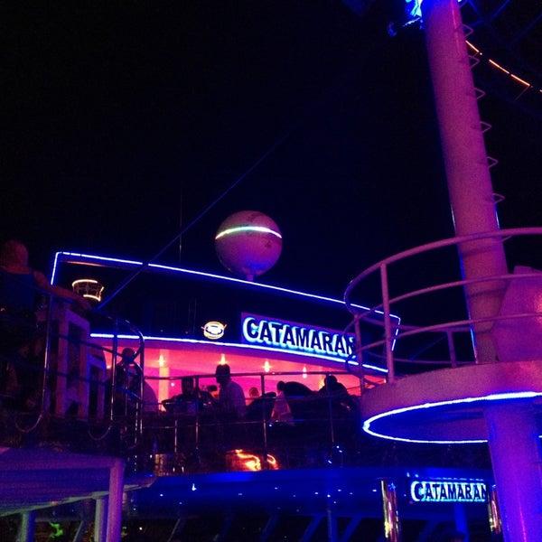 7/17/2013 tarihinde Kateziyaretçi tarafından Club Catamaran'de çekilen fotoğraf