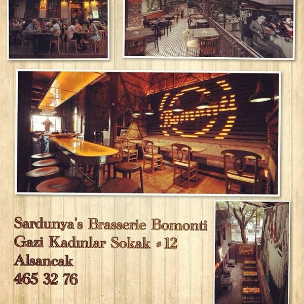 Photo prise au Sardunya's Brasserie Bomonti ve Şarap Evi par fevzi t. le7/13/2013