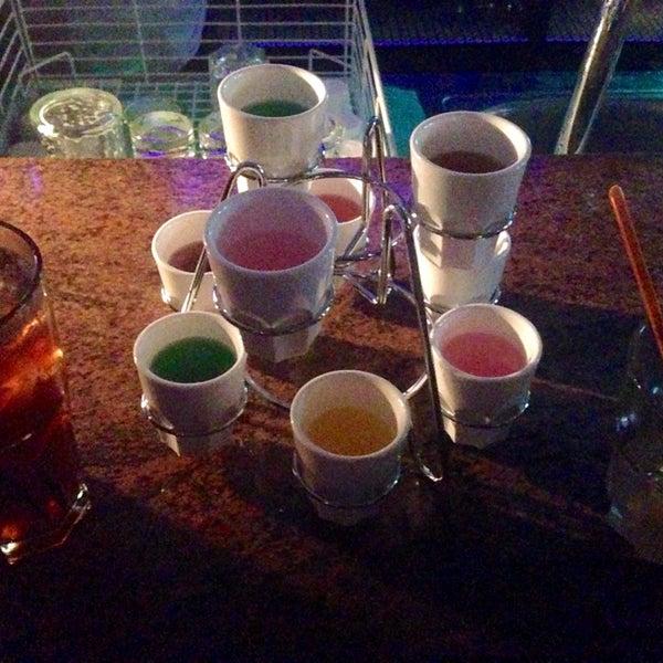 Foto tomada en Le Ghost Pub : Music Bar por Yulia el 9/25/2014