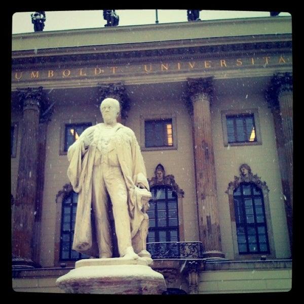 รูปภาพถ่ายที่ Humboldt-Universität zu Berlin โดย Johanna W. เมื่อ 1/7/2013