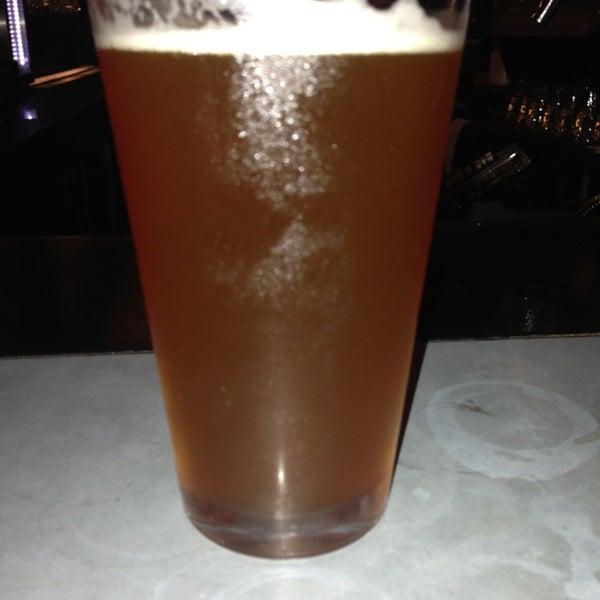 Photo prise au Buddha Beer Bar par Doug L. le6/16/2013
