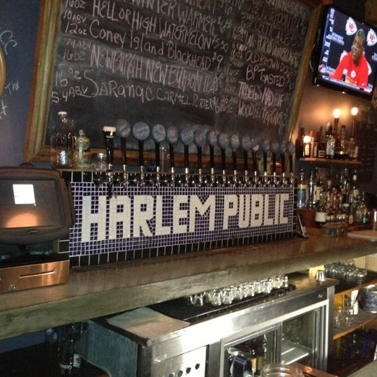 รูปภาพถ่ายที่ Harlem Public โดย Doug L. เมื่อ 12/3/2012