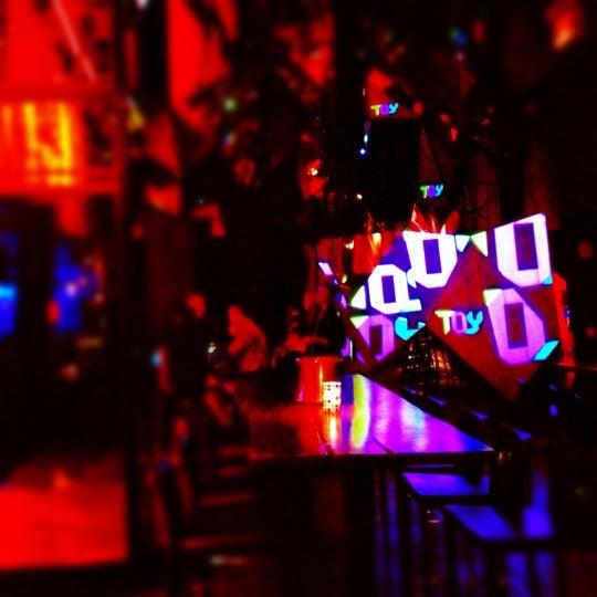 Foto tomada en TOY New York por Joanna L. el 11/10/2012