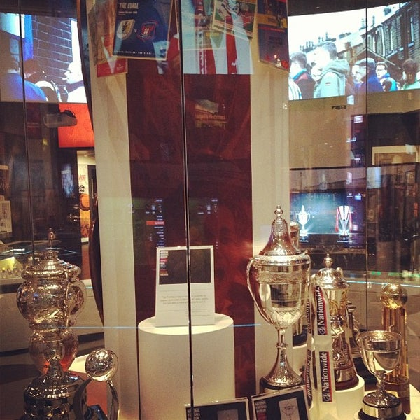 2/21/2013 tarihinde Tanvir H.ziyaretçi tarafından National Football Museum'de çekilen fotoğraf