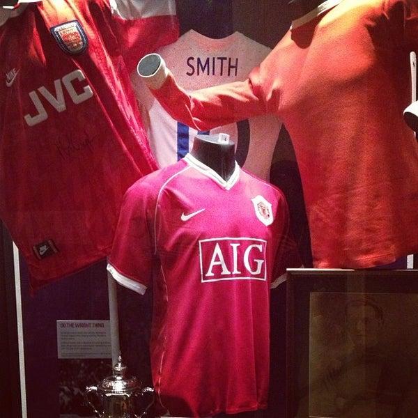 2/26/2013 tarihinde Tanvir H.ziyaretçi tarafından National Football Museum'de çekilen fotoğraf