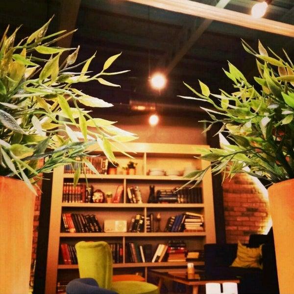 Foto tomada en Boon Cafe & Restaurant por Hacer C. el 5/4/2016