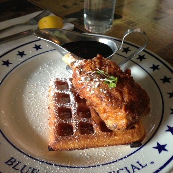 Das Foto wurde bei The Federal Food Drink & Provisions von Julia P. am 3/10/2013 aufgenommen