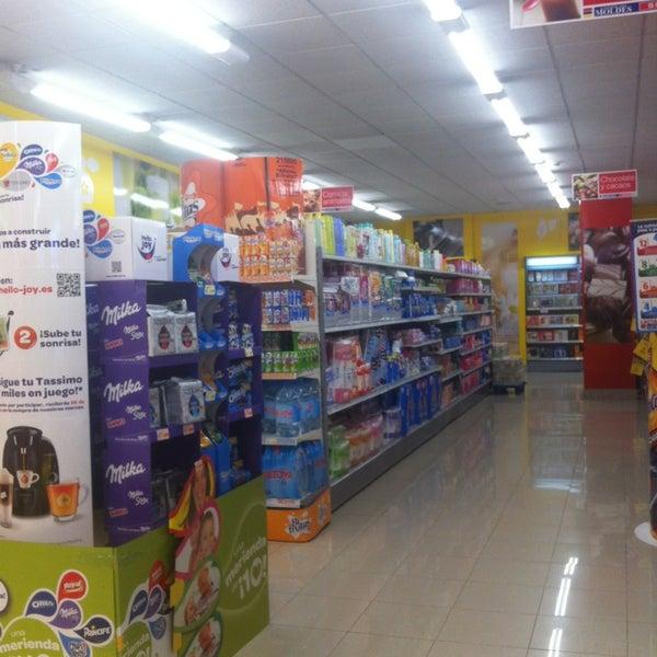 Supermercado Moldes Grocery Store