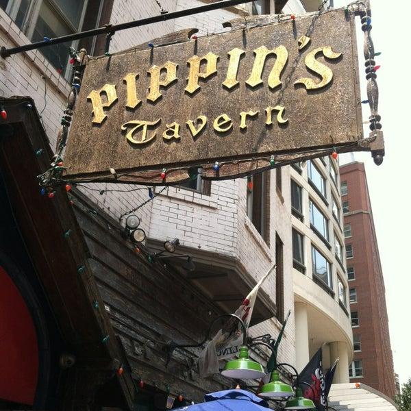 Foto diambil di Pippin's Tavern oleh Roy S. pada 7/1/2013