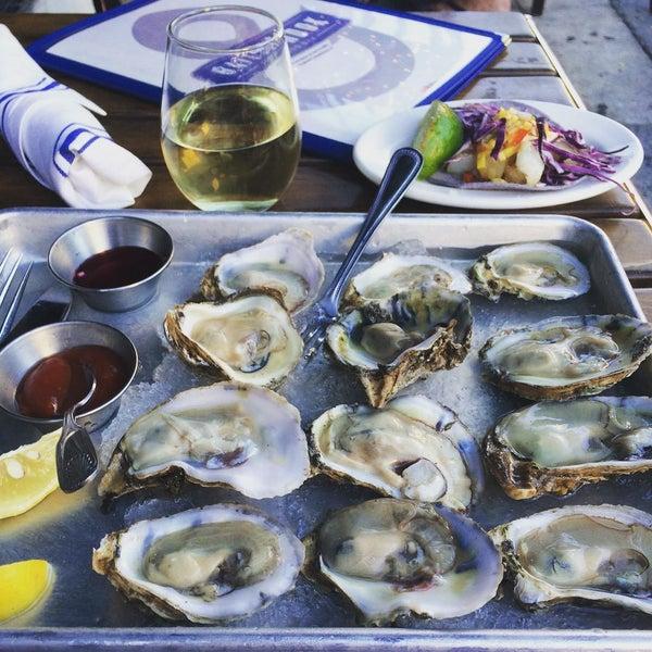 8/13/2015にEXCUIZINEがBait & Hook Seafood Shackで撮った写真