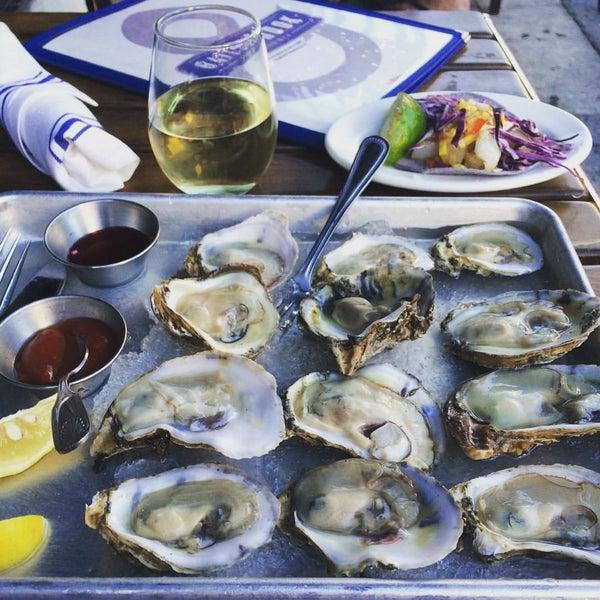 12/14/2015にEXCUIZINEがBait & Hook Seafood Shackで撮った写真