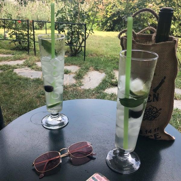 8/19/2018에 YAREN💫님이 Üzüm Cafe에서 찍은 사진