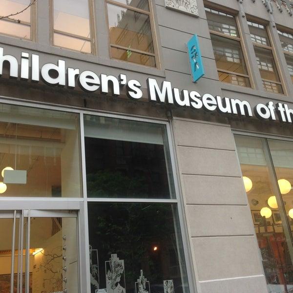 รูปภาพถ่ายที่ Children's Museum of the Arts โดย Olia S. เมื่อ 6/12/2014