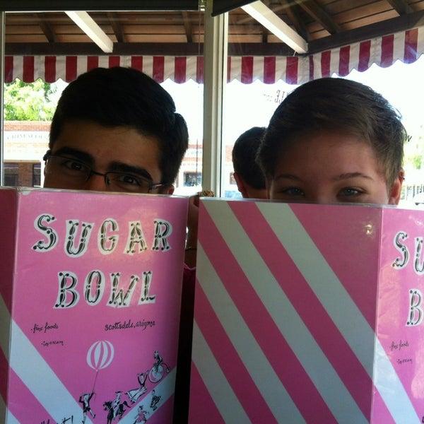 Снимок сделан в Sugar Bowl Ice Cream Parlor Restaurant пользователем Janine S. 6/2/2013