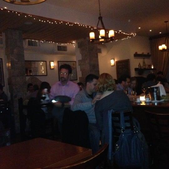 11/1/2012にSean F.がThe Tangled Vine Wine Bar & Kitchenで撮った写真