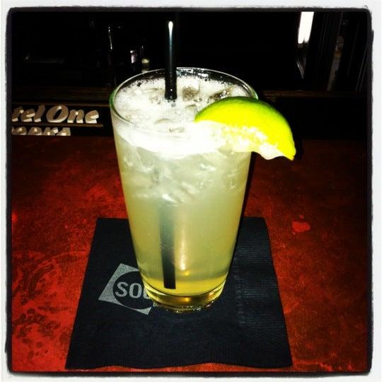 Foto tomada en Society Billiards + Bar por Octane el 11/8/2012