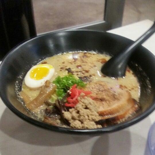 Das Foto wurde bei Chibiscus Asian Cafe & Restaurant von Lolita C. am 10/26/2014 aufgenommen