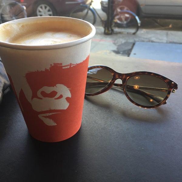 Foto scattata a Gorilla Coffee da Jonna K. il 4/2/2017