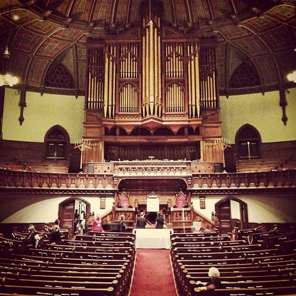 Foto diambil di Fifth Avenue Presbyterian Church oleh John d. pada 10/6/2012