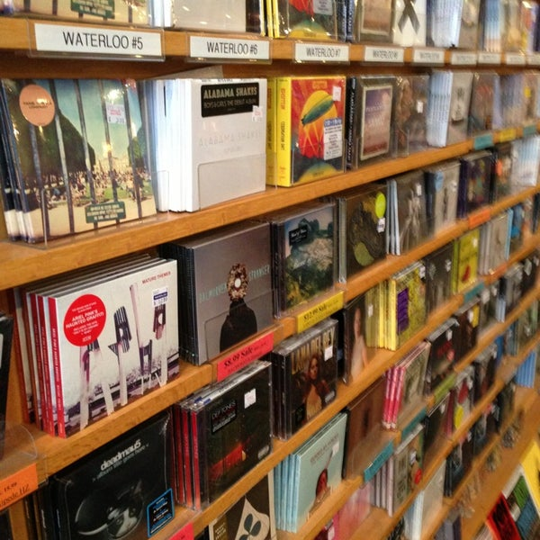 1/8/2013에 Sam M.님이 Waterloo Records에서 찍은 사진
