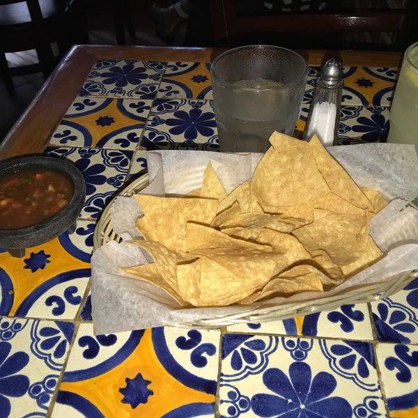 Foto scattata a Burrito Loco da Patrick M. il 6/2/2018