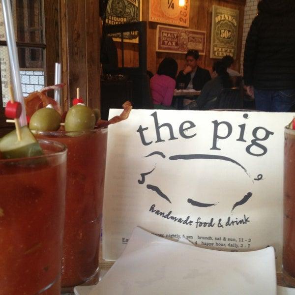 Foto tirada no(a) The Pig por Laura C. em 3/30/2013