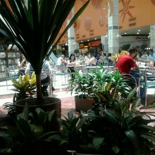 Das Foto wurde bei Grand Plaza Shopping von Louise C. am 1/8/2013 aufgenommen