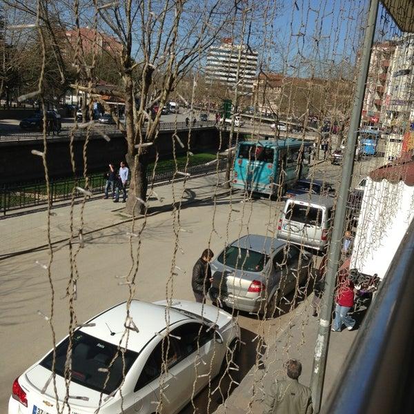 3/31/2013 tarihinde Kamil ..ziyaretçi tarafından Canoğlu Pastanesi'de çekilen fotoğraf