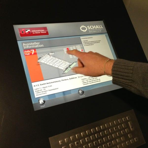 Besuch uns gern mal in der Dillenburger, komm in den ersten Stock und teste unser Besucherinformationssystem!
