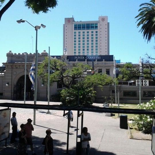 Foto tirada no(a) Punta Carretas Shopping por Cristiano H. em 1/13/2013