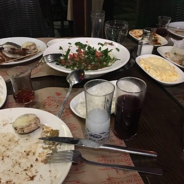 11/6/2018 tarihinde Halitt S.ziyaretçi tarafından Yiğit Kasap Et & Mangal'de çekilen fotoğraf