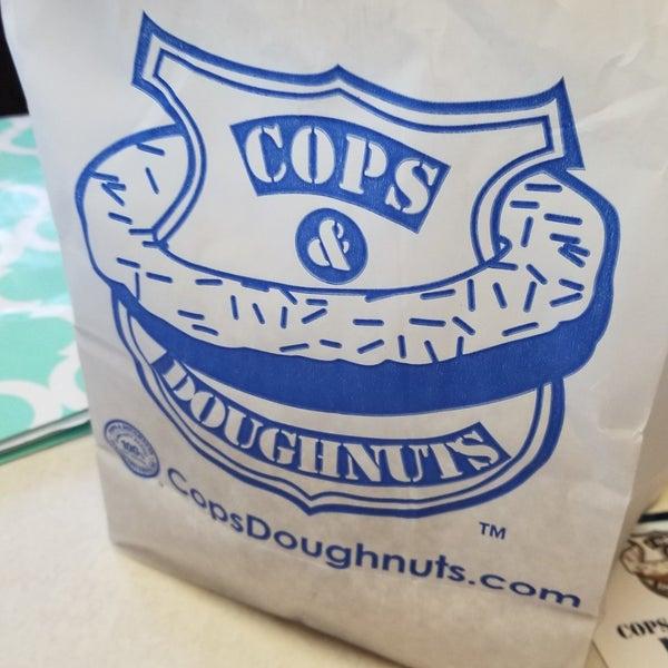 5/25/2018にDenise M.がCops & Doughnuts Bakeryで撮った写真