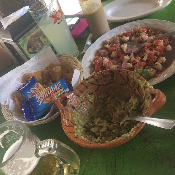 Delicioso el ceviche de pescado, guacamole con salsa de habanero y tacos de pescado ideales para los niños!!!