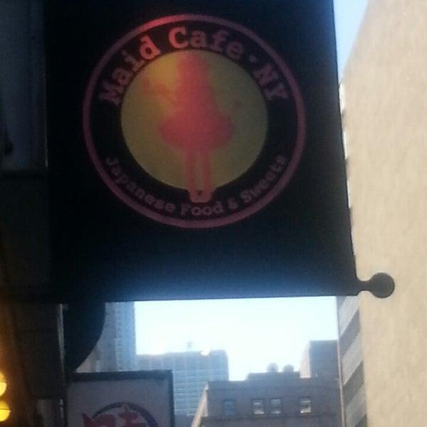 12/12/2013 tarihinde Dena A.ziyaretçi tarafından Maid Cafe NY'de çekilen fotoğraf
