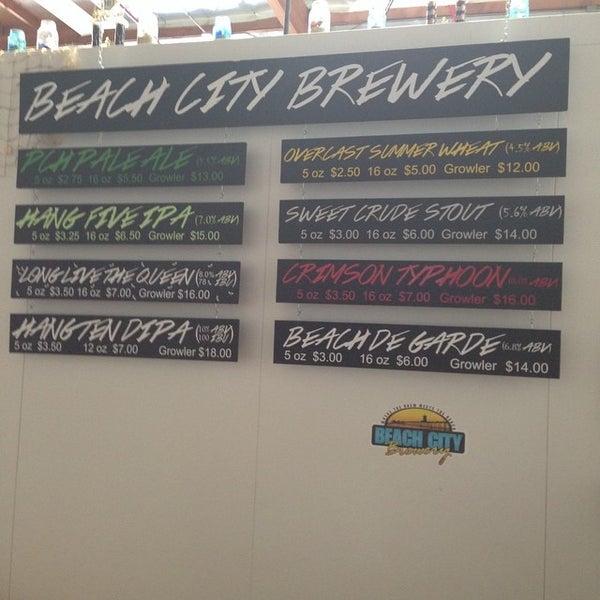 Foto tomada en Beach City Brewery por Vella P. el 8/16/2014