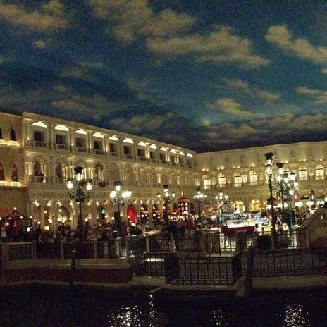 Foto tirada no(a) Venetian Resort & Casino por Joel M. em 5/21/2013