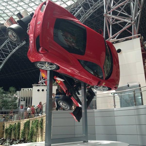 Photo prise au Ferrari World Abu Dhabi par Юрец✌ le6/4/2013