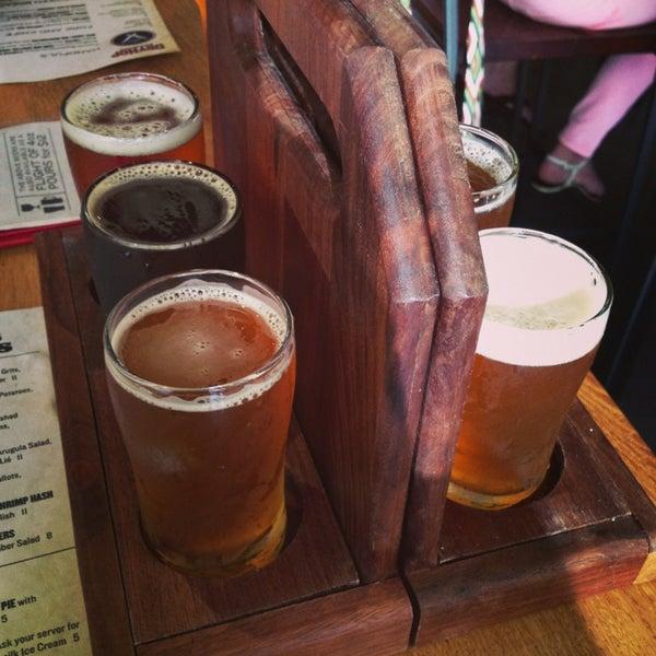 7/10/2013에 Justin님이 DryHop Brewers에서 찍은 사진