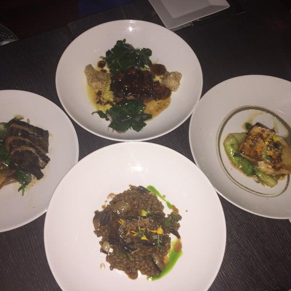 Photo prise au NoPa Kitchen + Bar par Jackie N. le8/21/2015