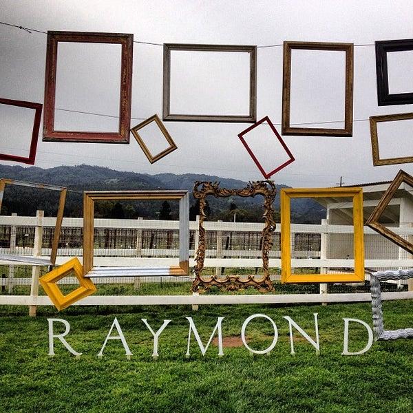 Photo prise au Raymond Vineyards par Doug S. le3/18/2013