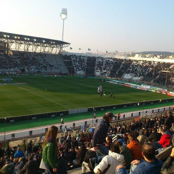 รูปภาพถ่ายที่ Toumba Stadium โดย Kostas K. เมื่อ 3/3/2013