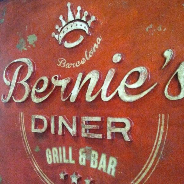 Foto scattata a Bernie's Diner da Eduard R. il 3/20/2013