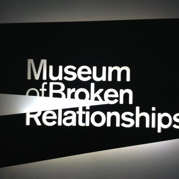 1/25/2013 tarihinde Nina L.ziyaretçi tarafından Muzej prekinutih veza | Museum of Broken Relationships'de çekilen fotoğraf