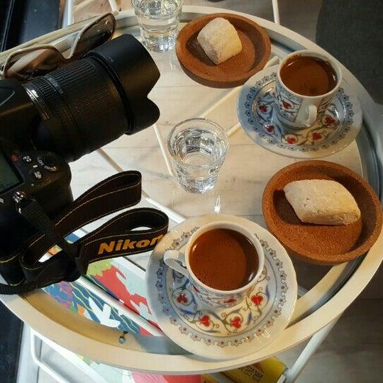 Foto tirada no(a) Olmadık Projeler Atölyesi / Unusual Projects Atelier por Fatih D. em 6/18/2016
