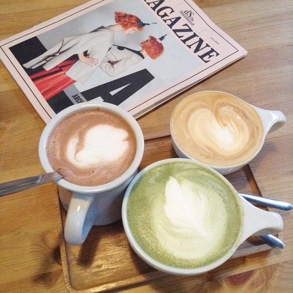 Foto tirada no(a) Viggo's Specialty Coffee por Beliz T. em 11/17/2015