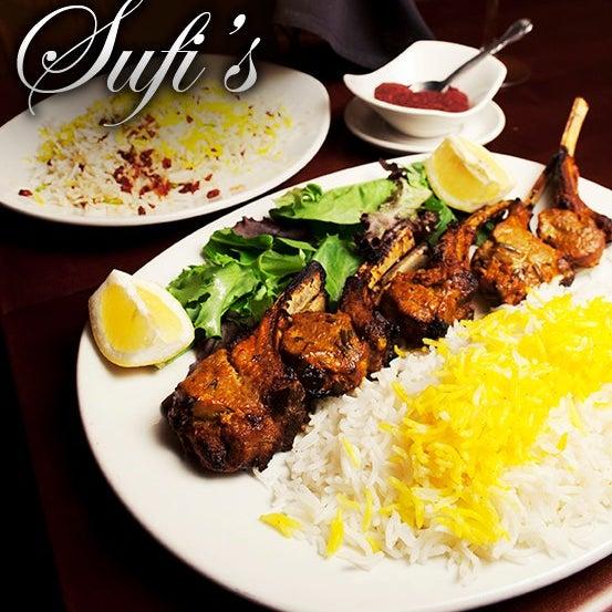 1/22/2014 tarihinde Sufi's Restaurantziyaretçi tarafından Sufi's Restaurant'de çekilen fotoğraf